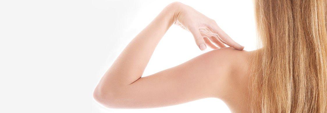 Epilation laser des bras à La Rochelle | Skin Clinic