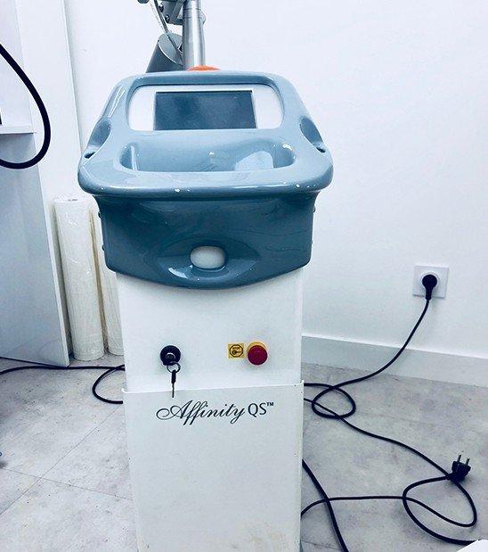 Présentation des machines de détatouage à La Rochelle | Skin Clinic