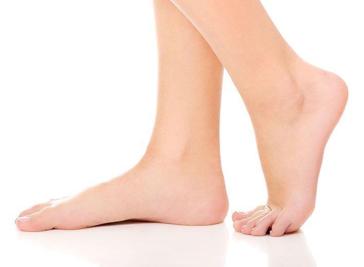 Epilation définitive des pieds à La Rochelle | Skin Clinic