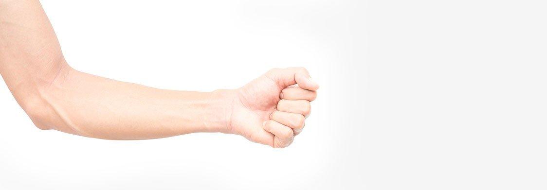 Epilation laser des avant-bras à La Rochelle - Homme | Skin Clinic